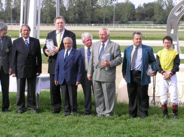 Rozsnyói György (jobbról a harmadik)